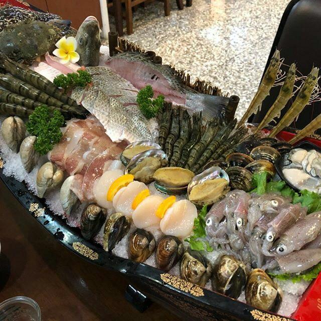 岳棒海鮮火鍋